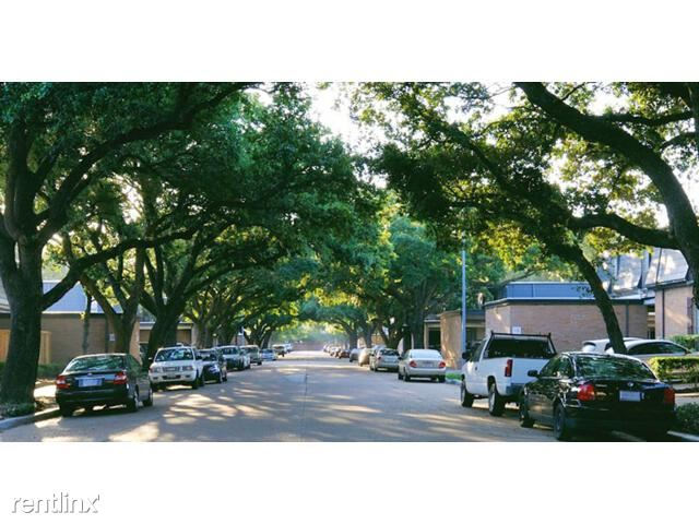 huge-Luxury-Apartments-with-a-street-canopy-in-houston