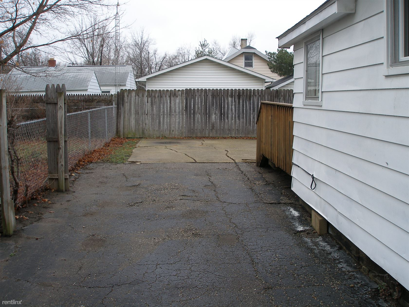 Partial privacy fence