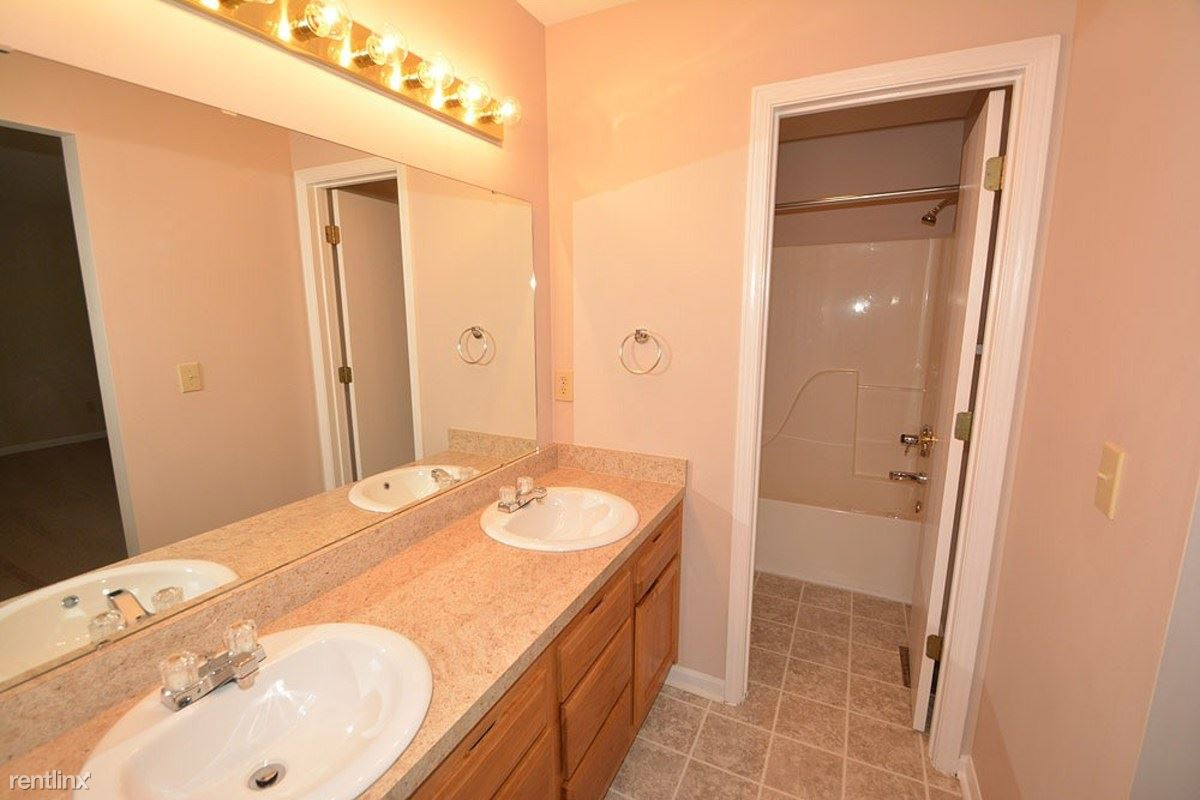 21-Master_Bathroom
