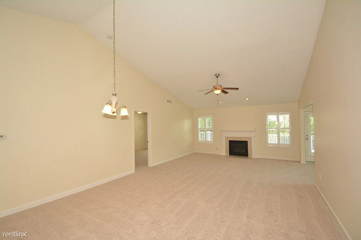 04-Dining__Family_Room