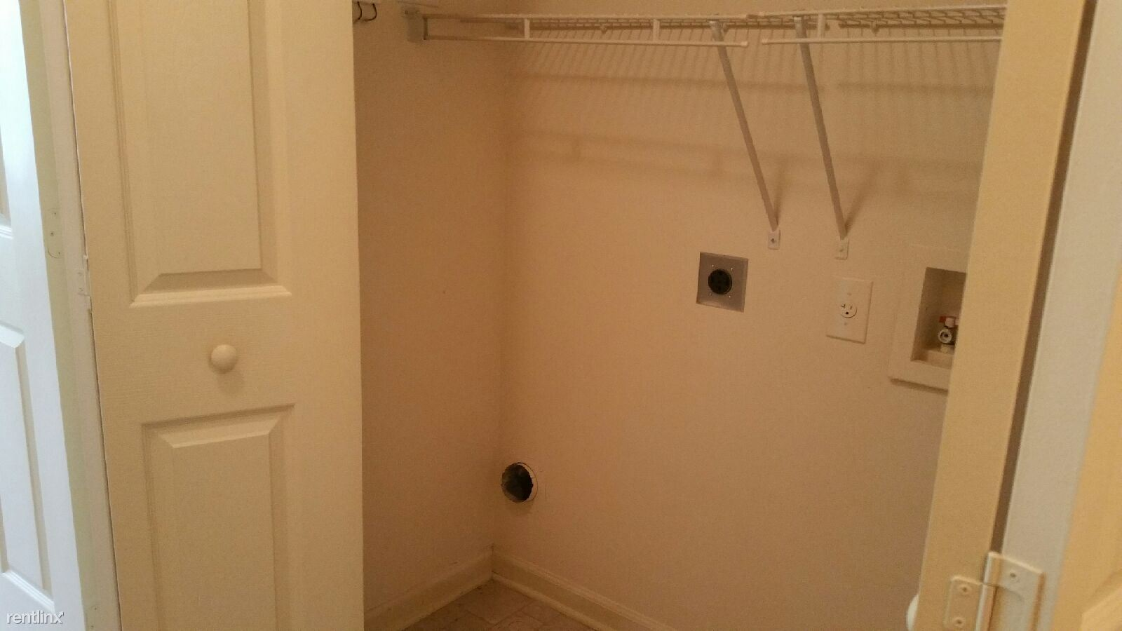 2 BEDROOM LAUNDRY SPACE