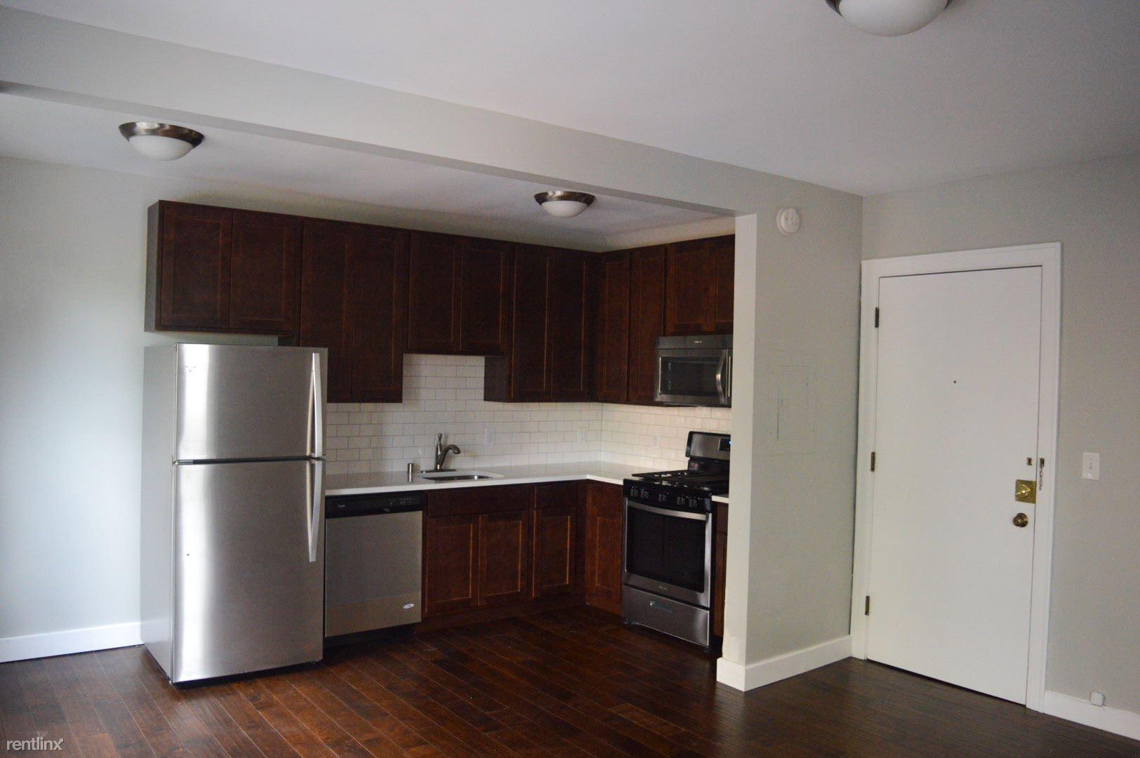 1201 Hawthorne Ave $900