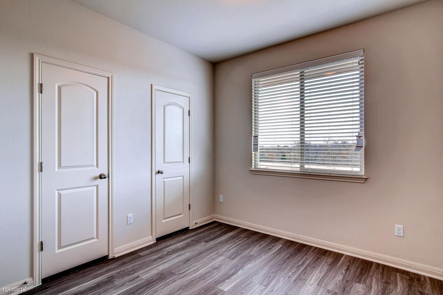 DoubleEagleTownhomes - 3 Bedroom - large-017-Double Eagle Townhomes 1  3-1500x1000-72dpi