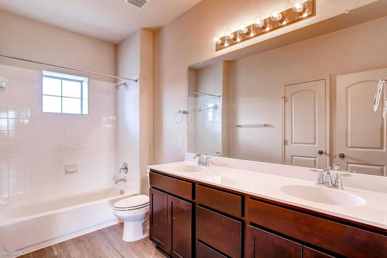 DoubleEagleTownhomes - 3 Bedroom - large-026-Double Eagle Townhomes 1  3-1500x1000-72dpi