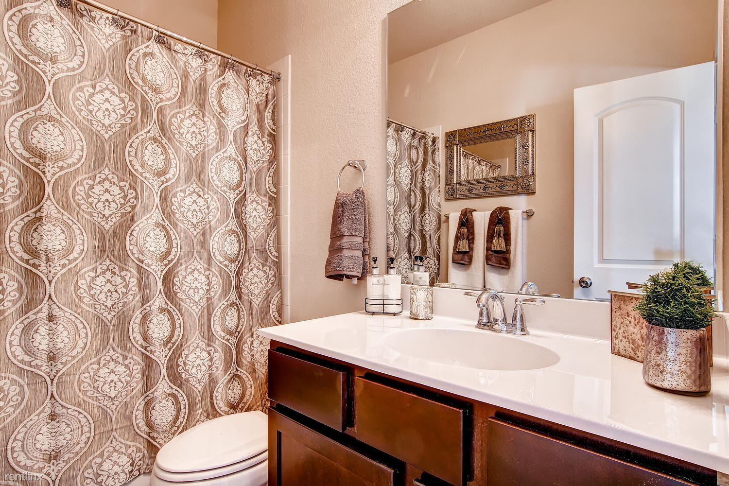 DoubleEagleTownhomes - Model - large-030-Double Eagle Townhomes 1 -1500x1000-72dpi