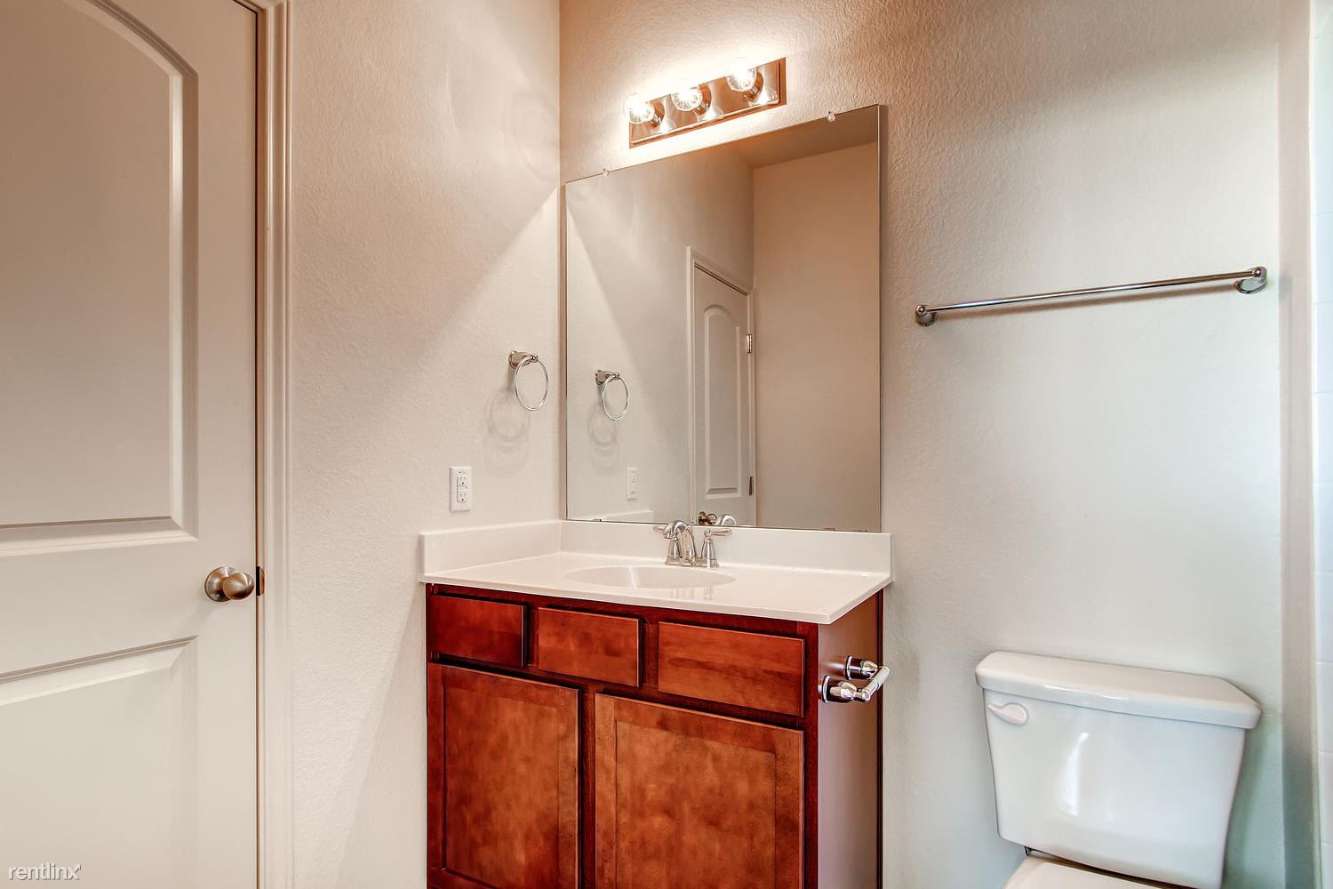 DoubleEagleTownhomes - 2 Bedroom - large-009-Double Eagle Townhomes 1  2-1500x1000-72dpi