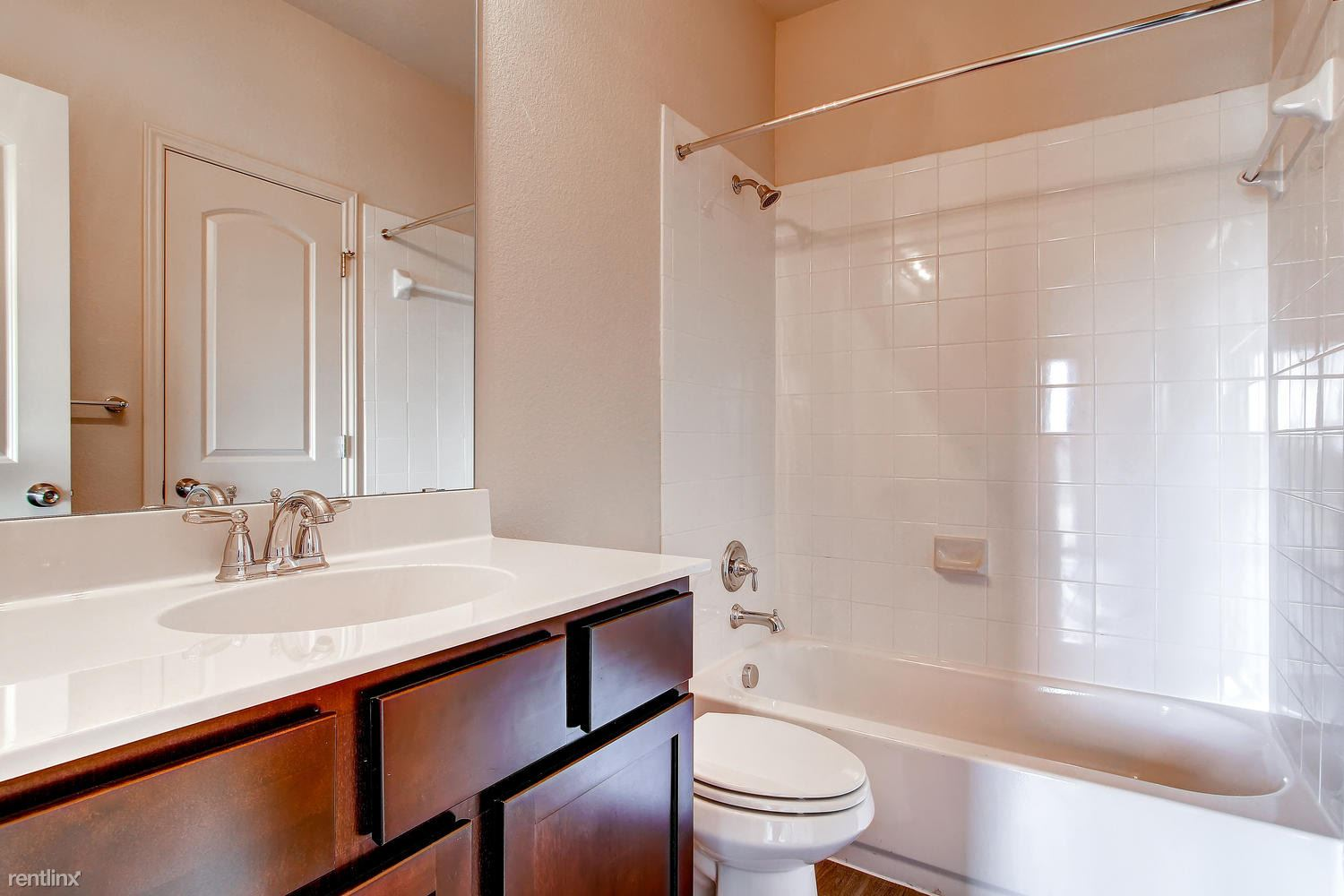 DoubleEagleTownhomes - 3 Bedroom - large-016-Double Eagle Townhomes 1  3-1500x1000-72dpi