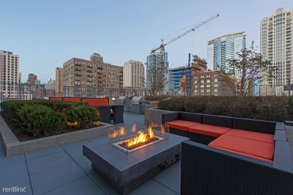 Near South Side 2 Bedroom Rental At 1401 S State St Chicago Il 60605 2 Bed 2 Bath 2492