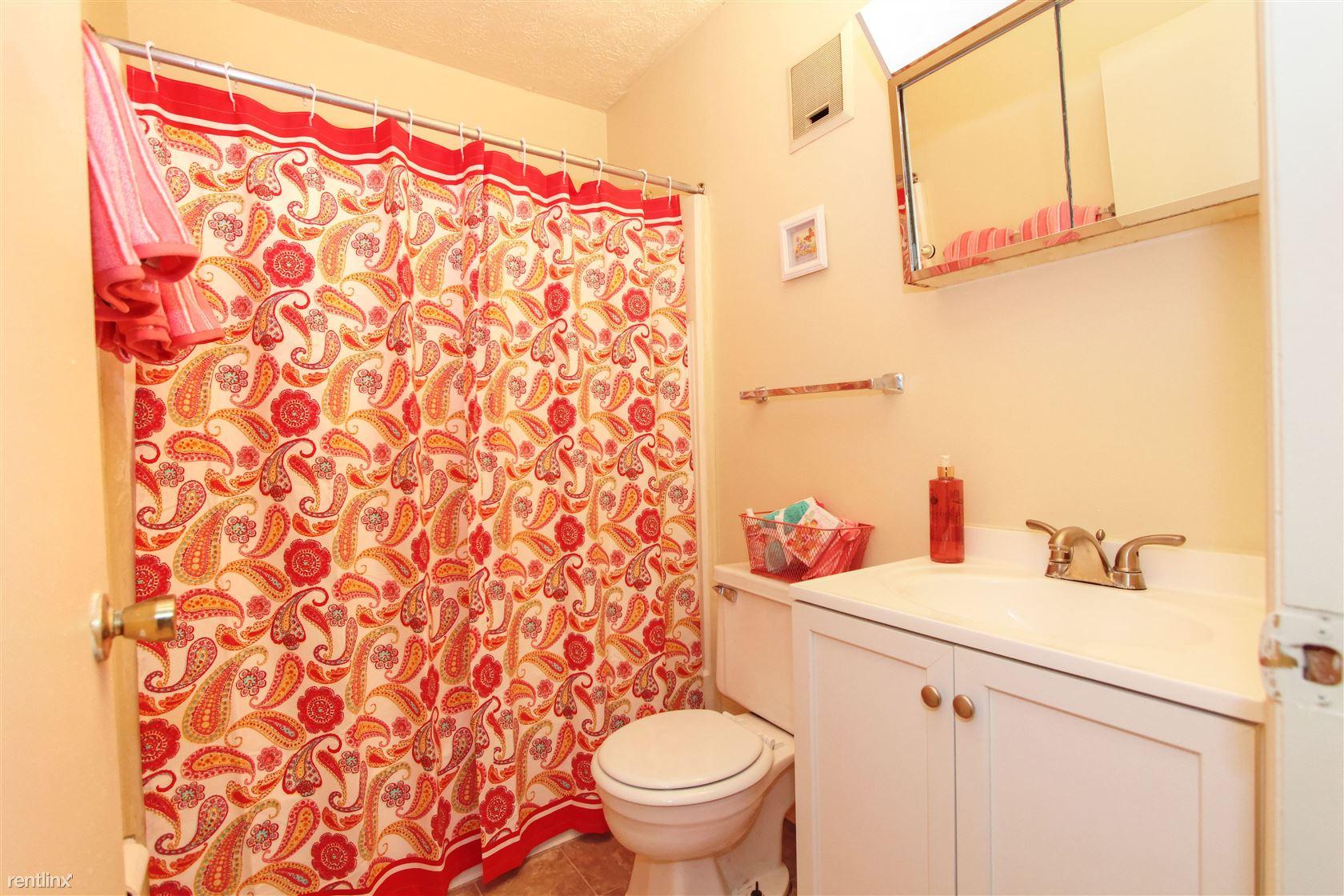 #215 bathroom 1