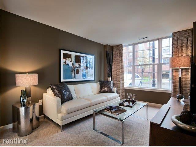 Riverbend living room 3