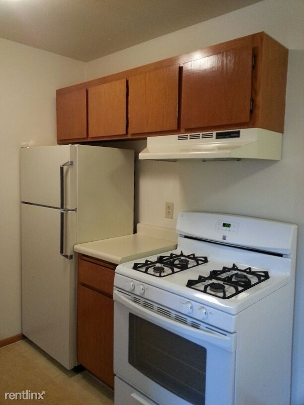 Kitchen, Appliances included!