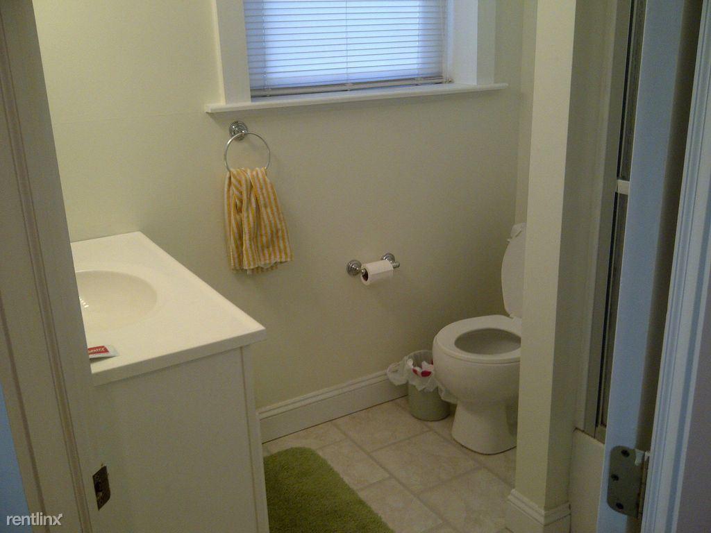 5903bathroom1
