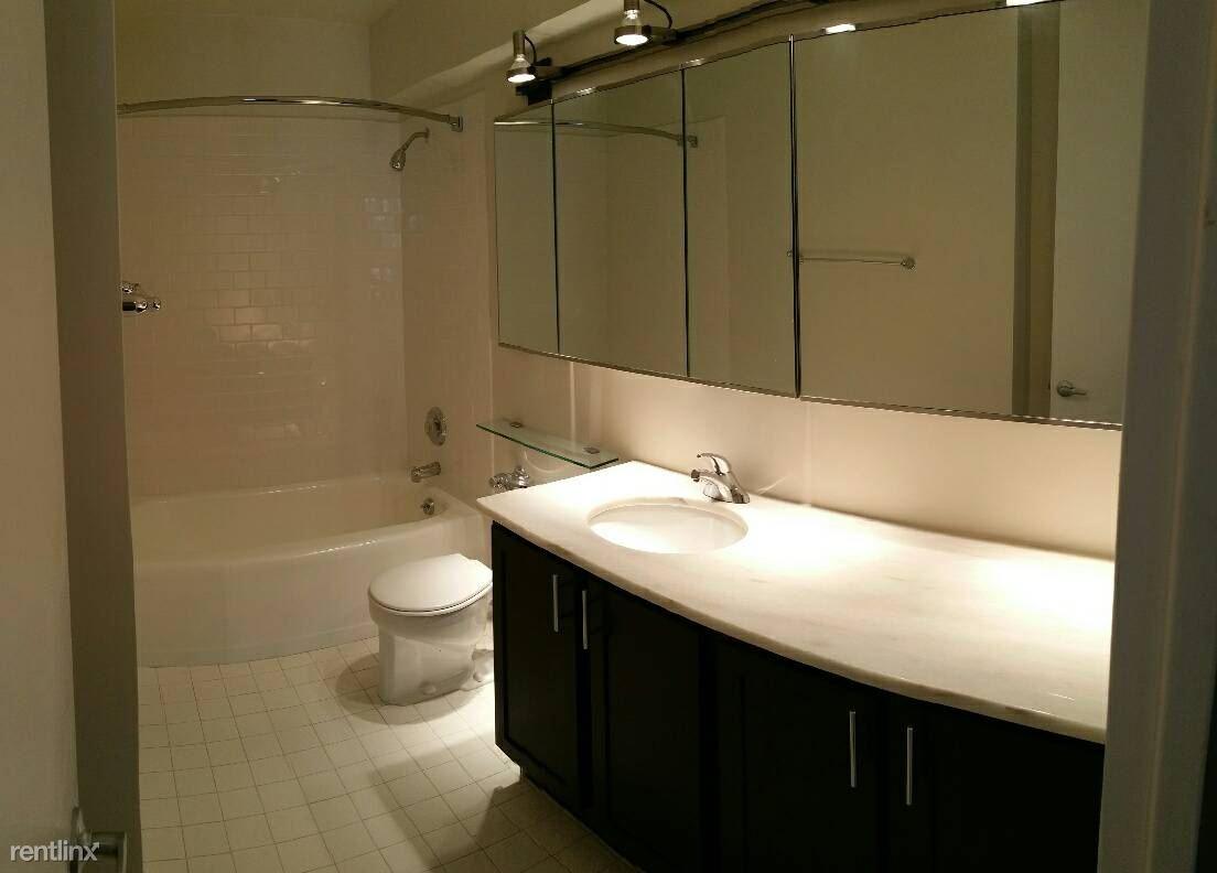 860 dewitt bath