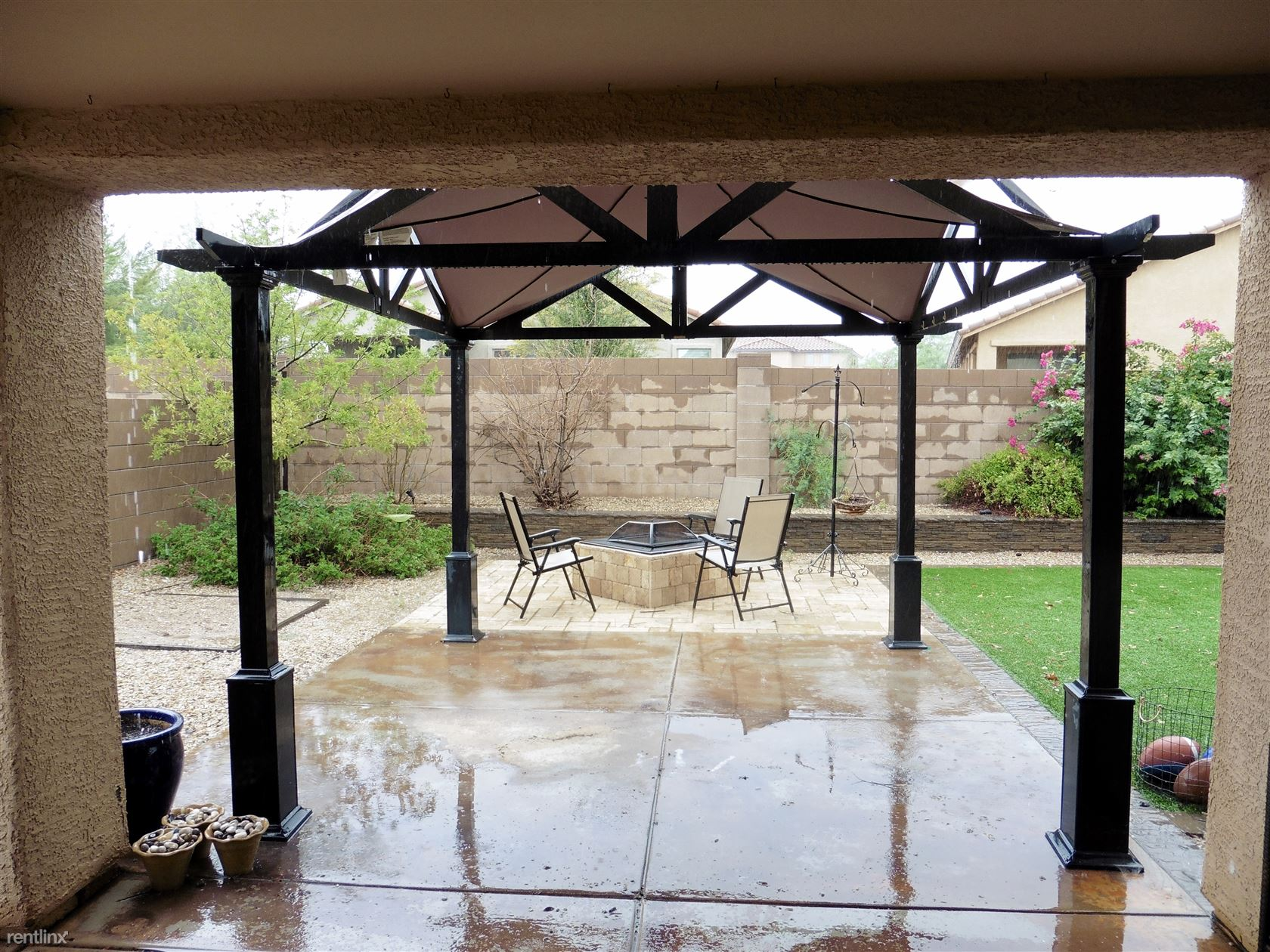 PATIO W/RAMADA & FIREPIT