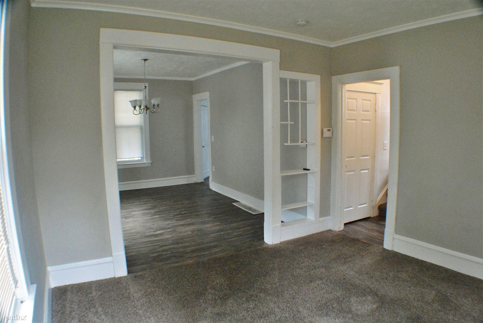 1050 Thomas - Living Room (2)