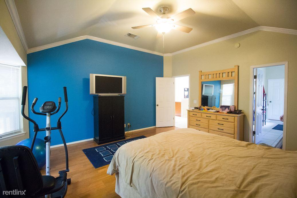 Master bedroom reverse angle