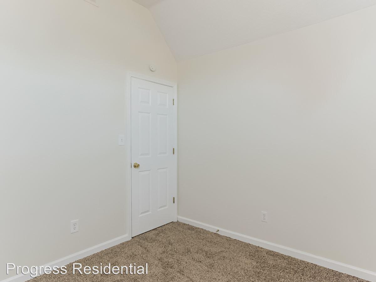 11-Bedroom-2247739-medium4x3