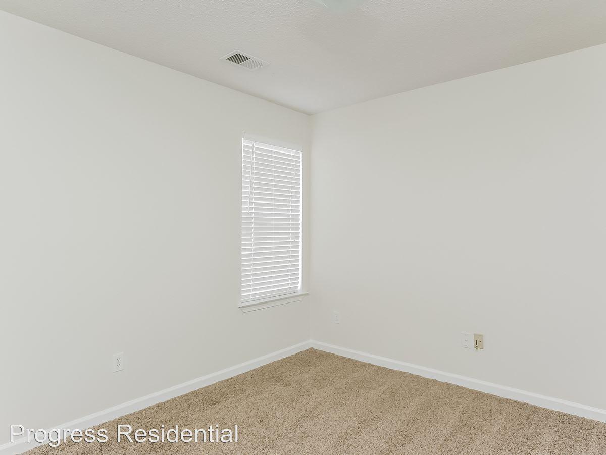 12-Bedroom-2247740-medium4x3