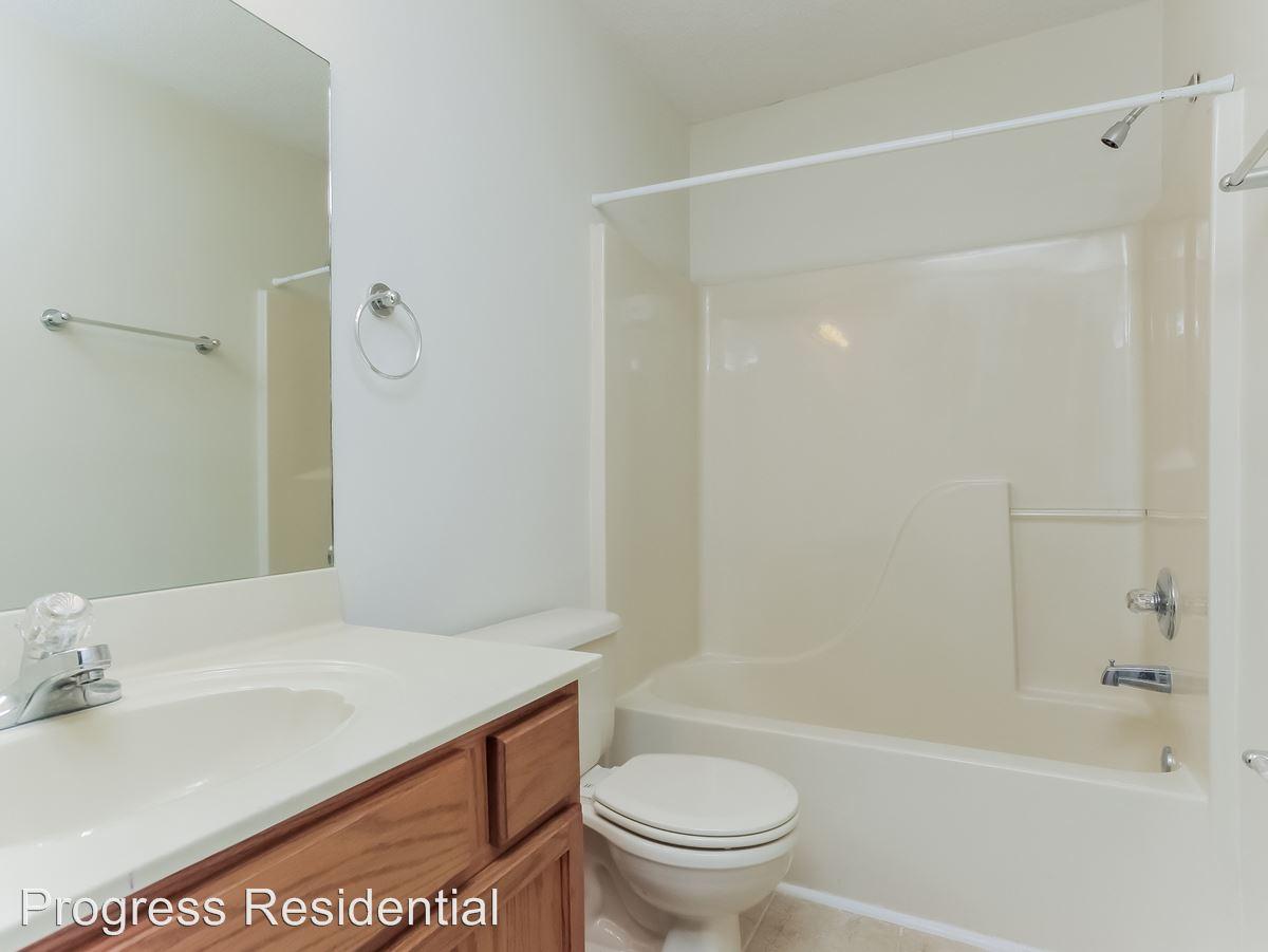 14-Bathroom-2247743-medium4x3