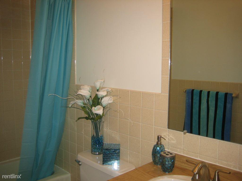 Sparkling Clean Tiled Bathroom................IMG_4427[1]