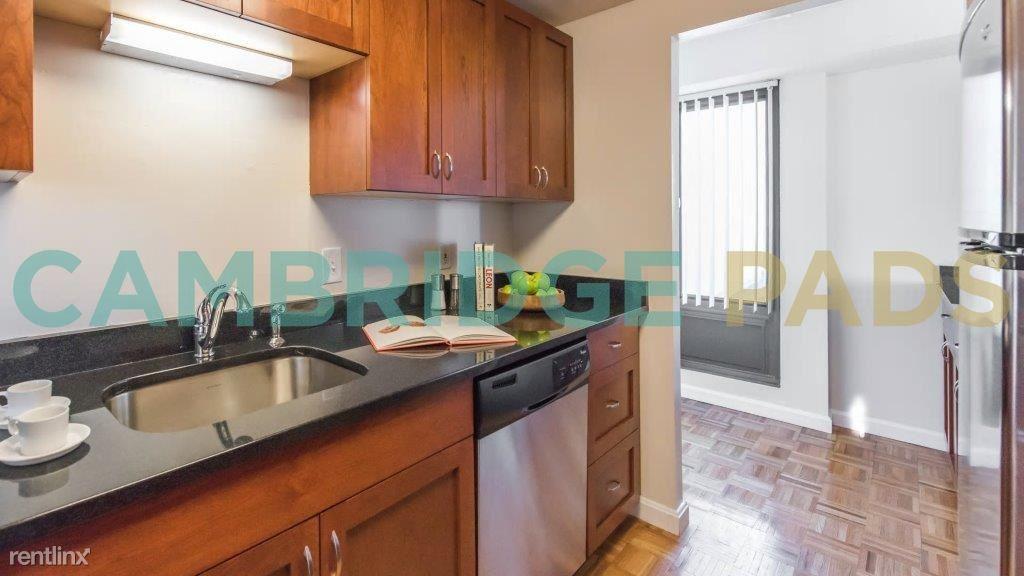 1468598672-929-mass-kitchen-002[1]