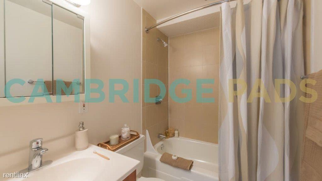1468598837-929-mass-bathroom[1]