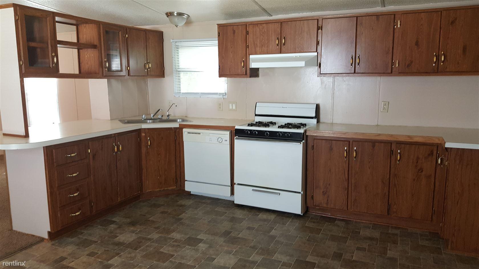 2201 E Macarthur Rd # 22, Wichita, KS 67216