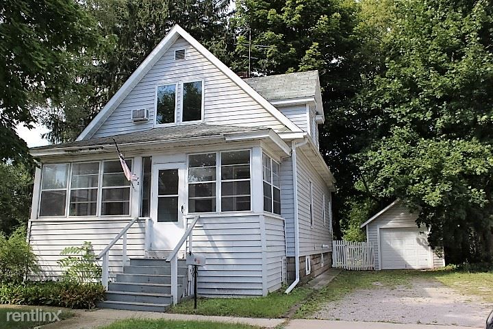 3033 Bloomington Ave S $800