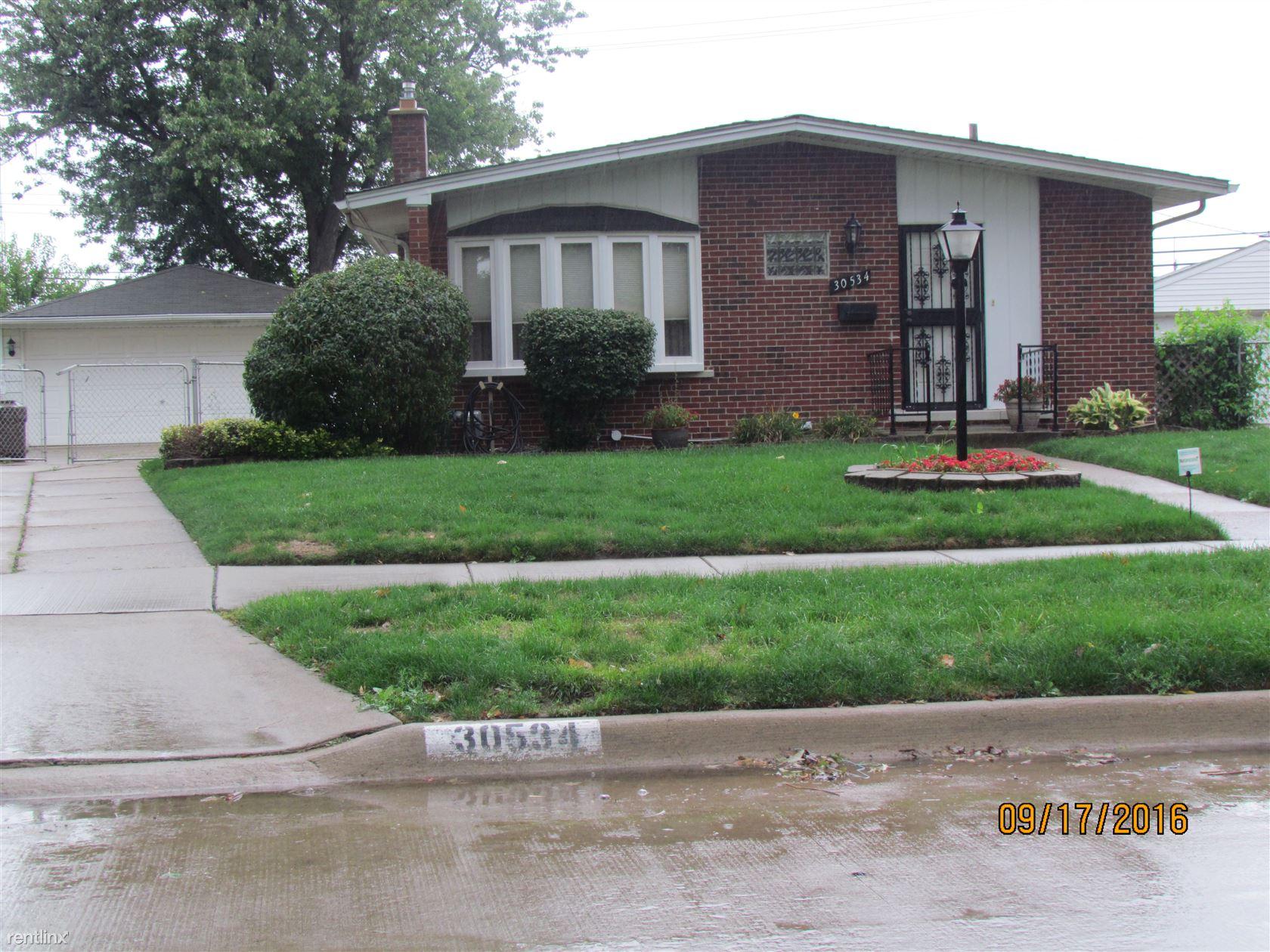 30534 Garry Ave