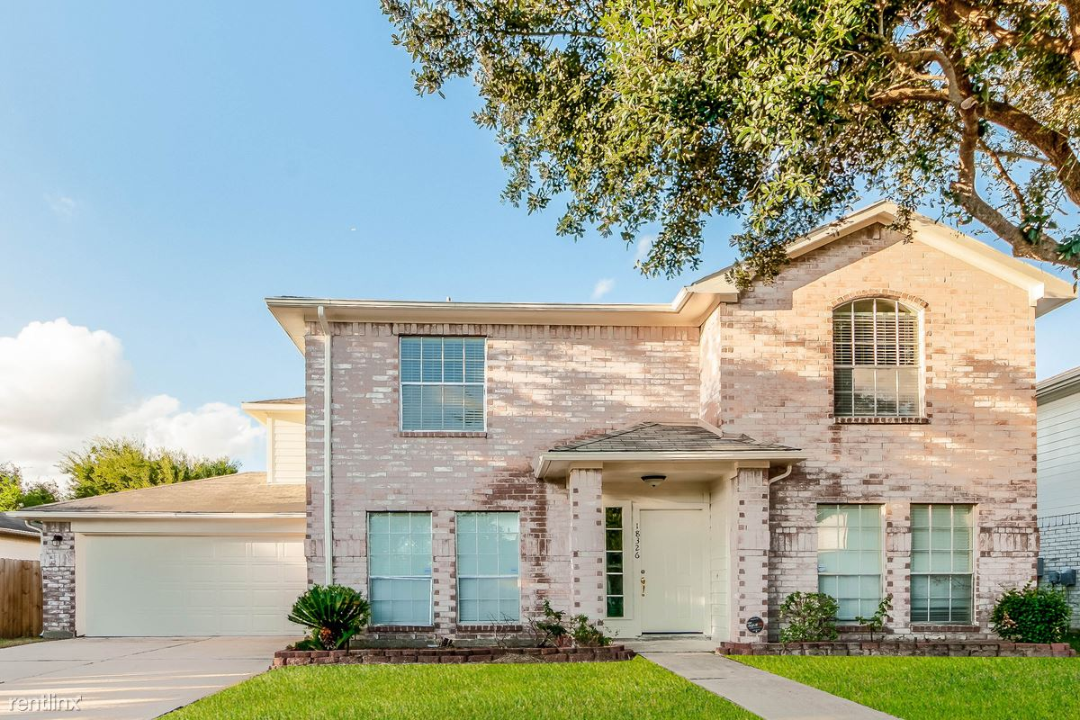 18326 Forest Dew Dr