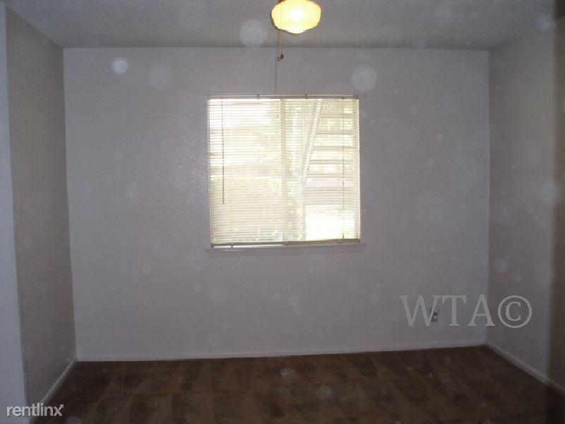 215 W Broadview Dr rental