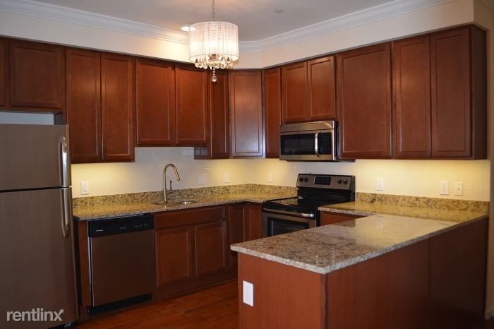 Beautiful 2 Bedroom 2 Bath Apartment in Luxury Building - Pets Welcome - Laundry - New Rochelle