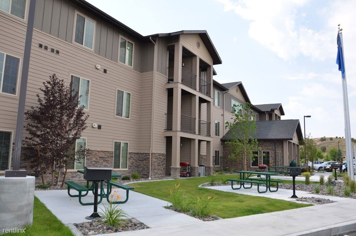 Winchester Court Apartments