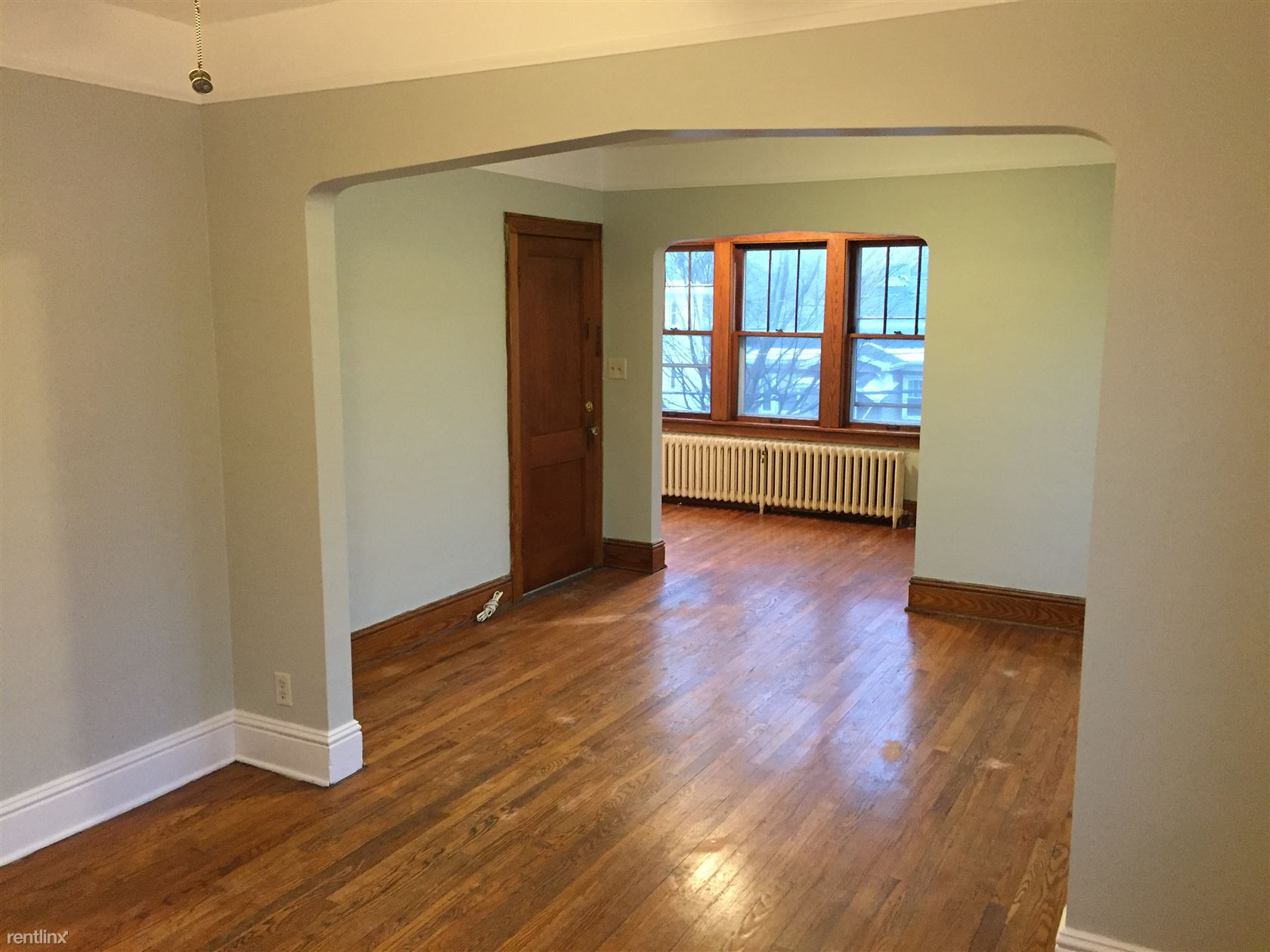 $1275 per month , 82 Sycamore St,