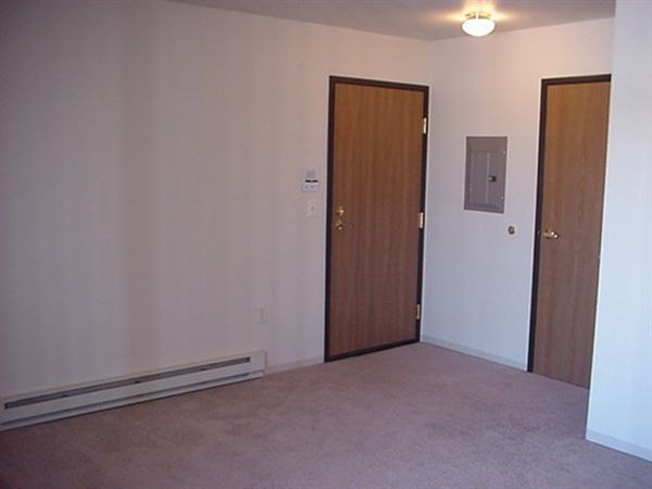 living/entry/laundry