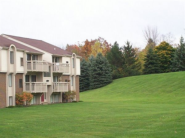 One bedroom Bloomfield Apartments