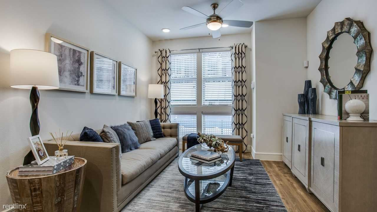 Townhouse for Rent in Dallas
