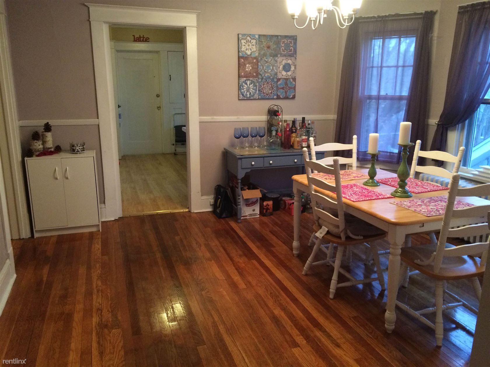 $1350 per month , 84 Pinewood Ave,