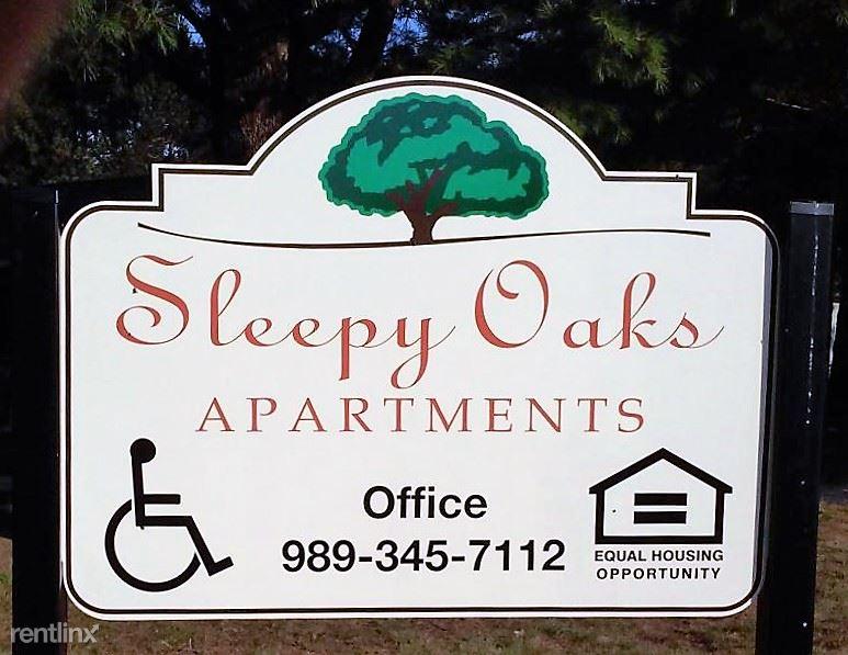 Sleepy Oaks Apartments