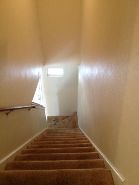 3/2.5 TH stairwell