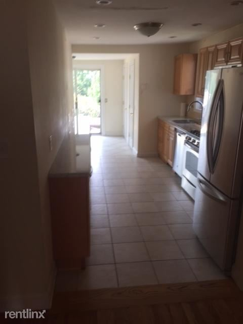 Beautiful 2 Bedroom Duplex Apt - ALL UTILITIES INCLUDED / Dobbs Ferry