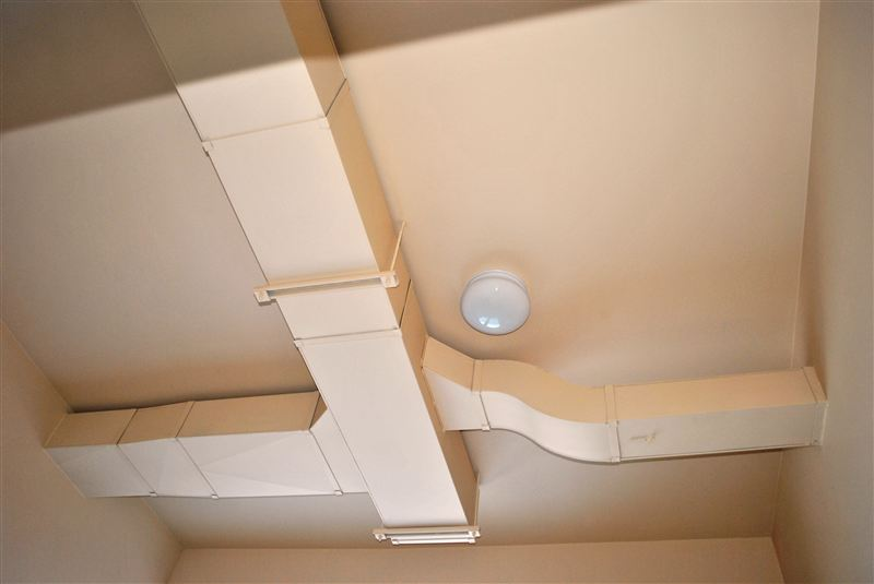 very tall ceilings with exposed venting