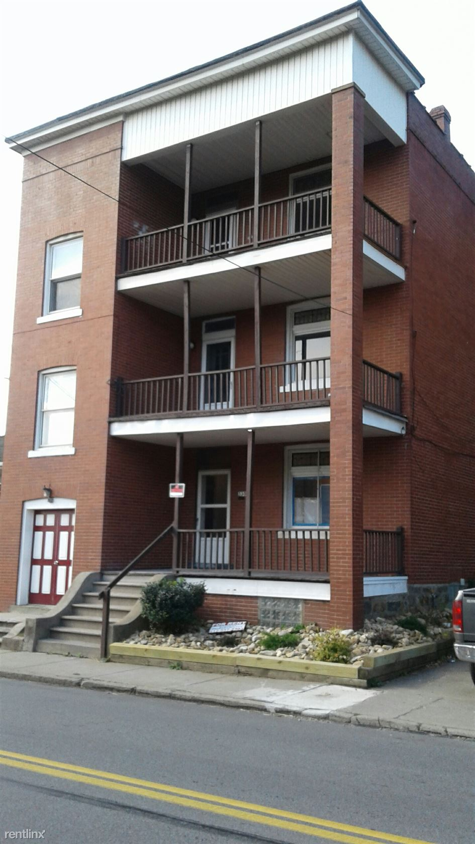 528 Wall Ave Apt 3