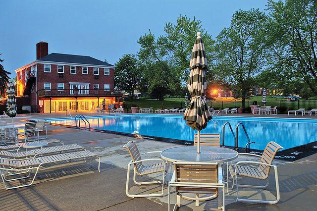 Sparkling Swimming Pool!