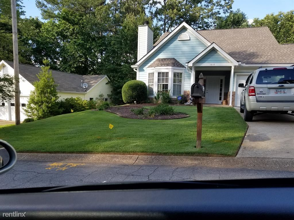 $1299 per month , 1808 Crestwood Dr NW,