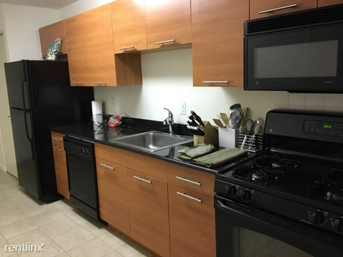 Beautiful Studio Apartment with Great Views - All Utilities Included - Parking / New Rochelle