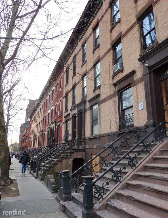 Alexander Ave