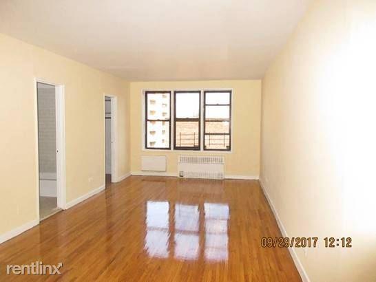 13312 Sanford Ave