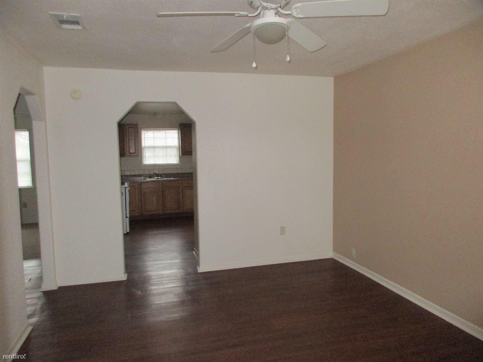 $575 per month , 108 E Avenue B,