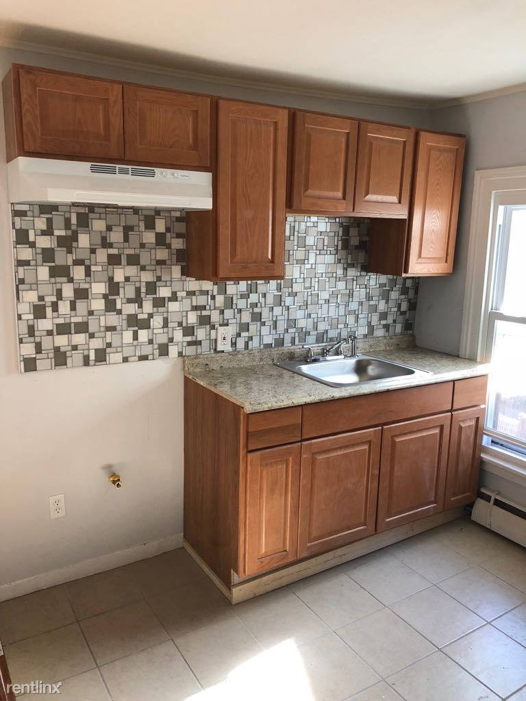 21 Young St Apt 2R